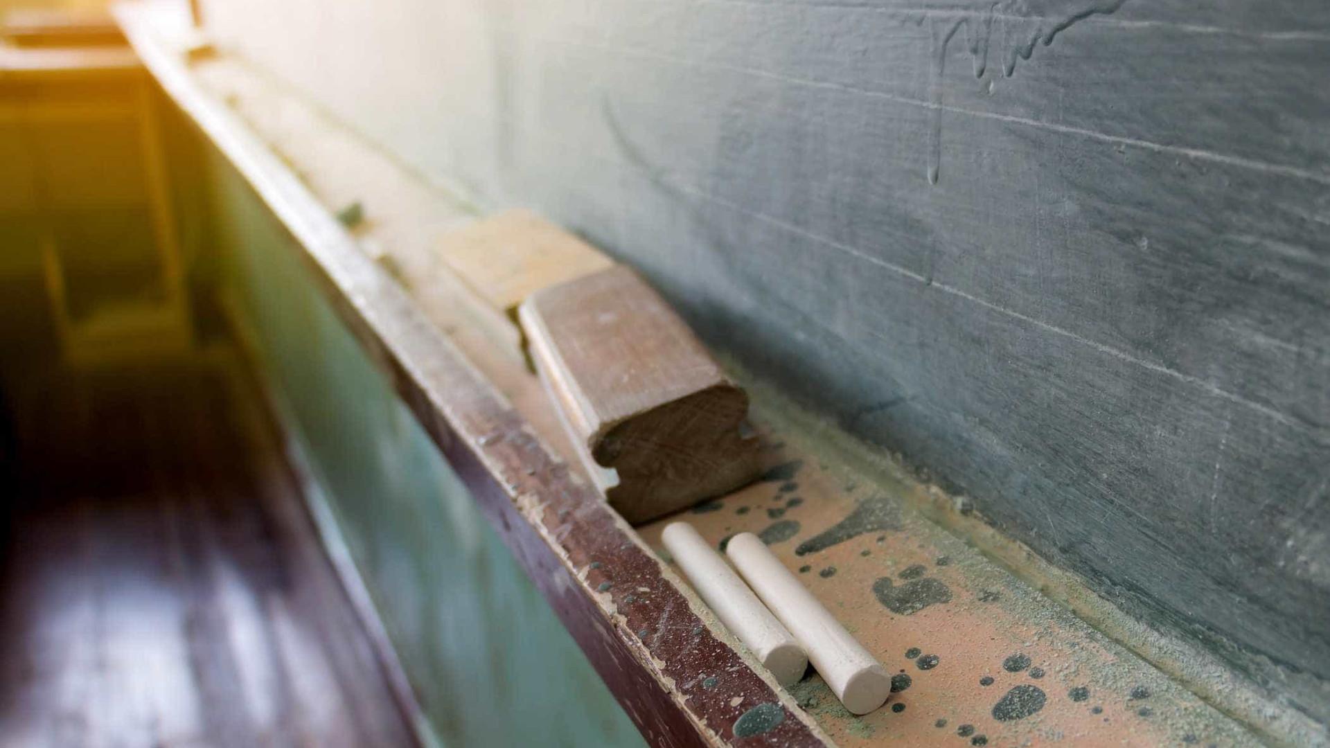 """Criança desmaia com fome em escola do Brasil. """"Chorei"""", diz professora"""