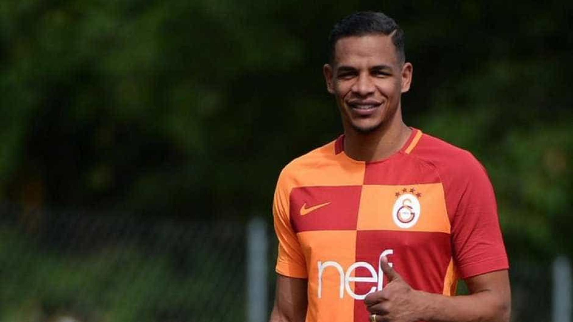 """Fernando diz que Galatasaray """"manda em casa"""""""