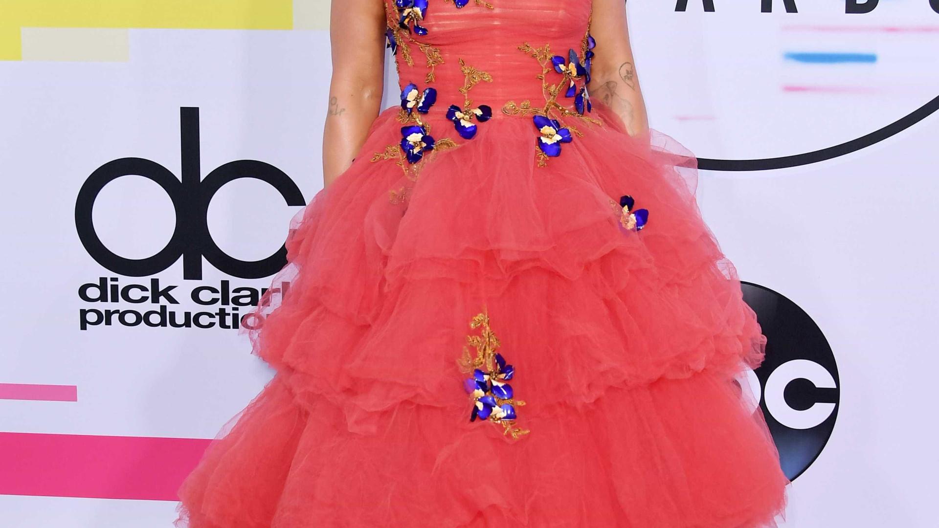 Expressão de Pink na atuação de Christina Aguilera torna-se viral
