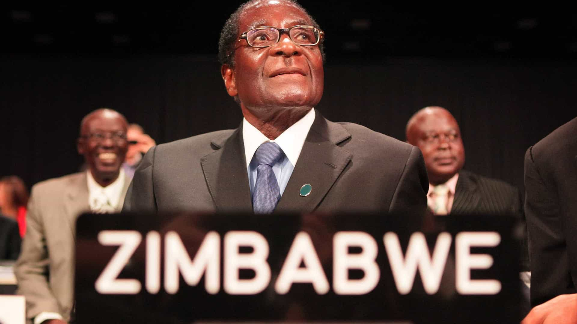 Zimbabué concede imunidade a Mugabe