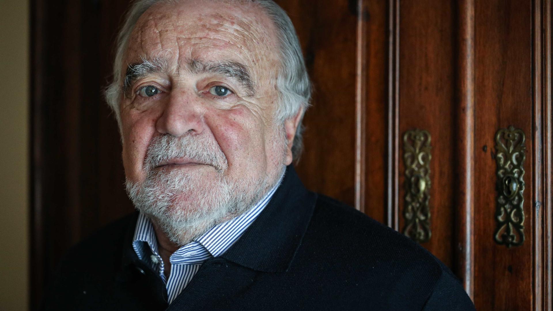 """Prémio Camões: """"É justo e merecido"""", defende Manuel Alegre"""