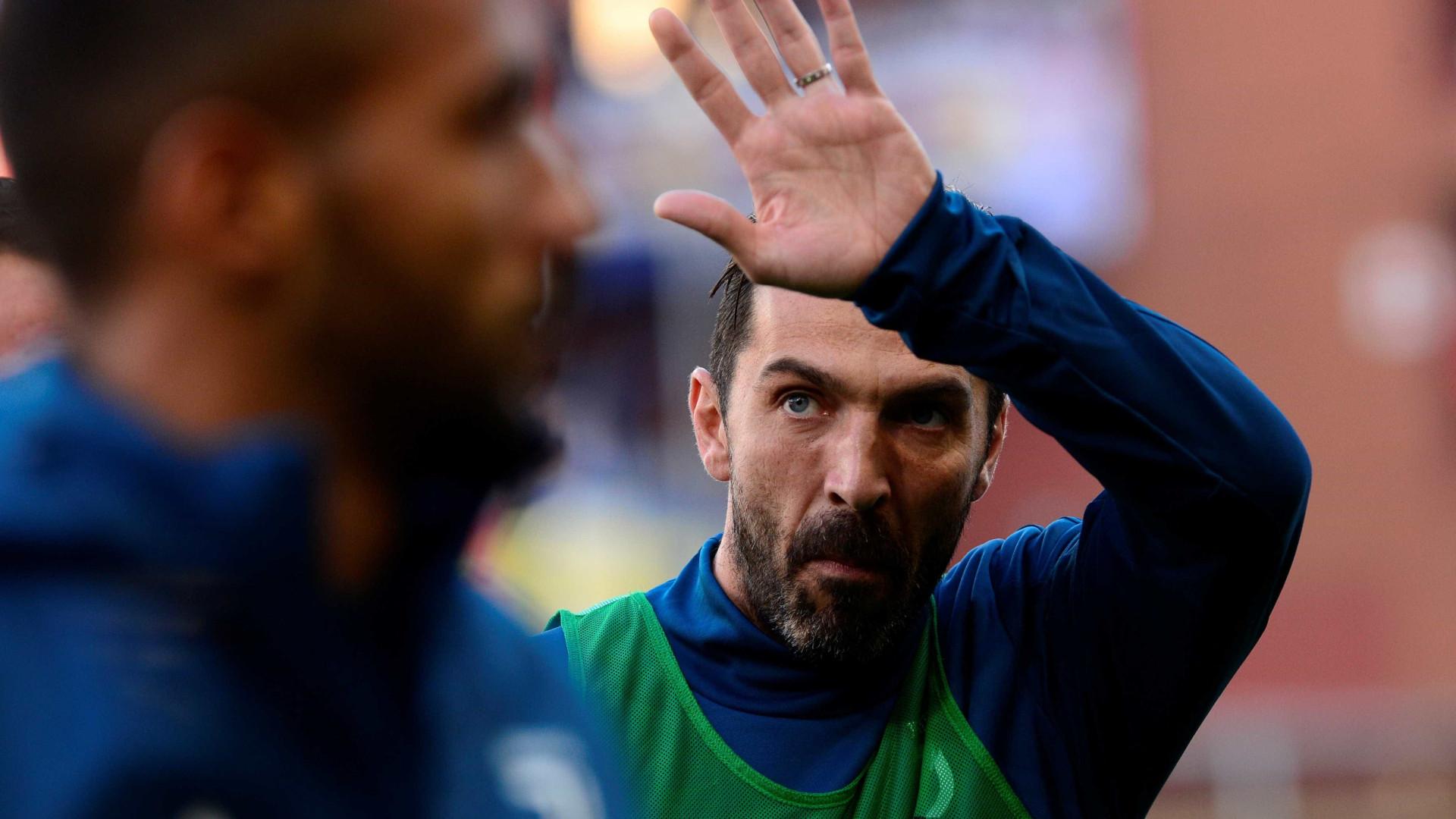 Rakitic 'oferece' lugar no Mundial a Buffon. Eis a resposta do italiano