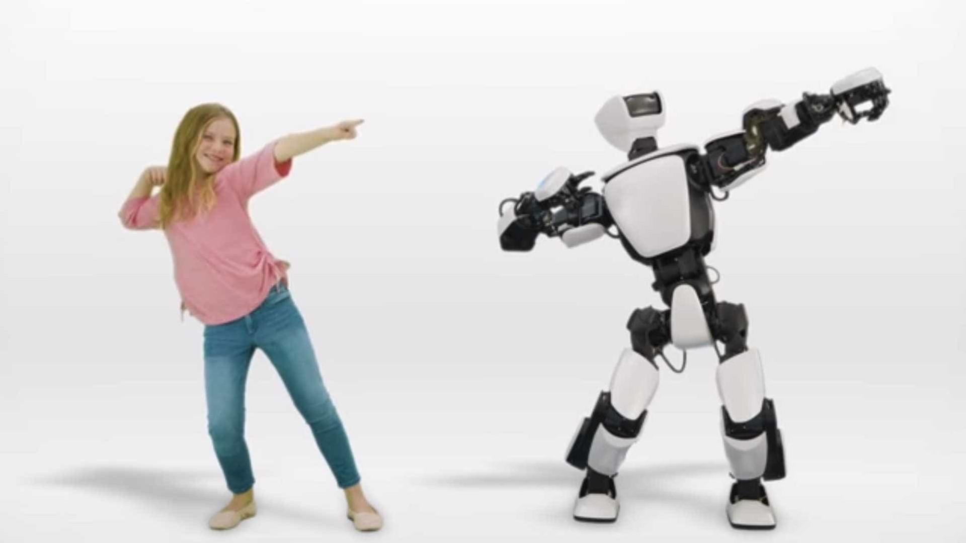 A Toyota apresentou robot que poderá controlar com o corpo