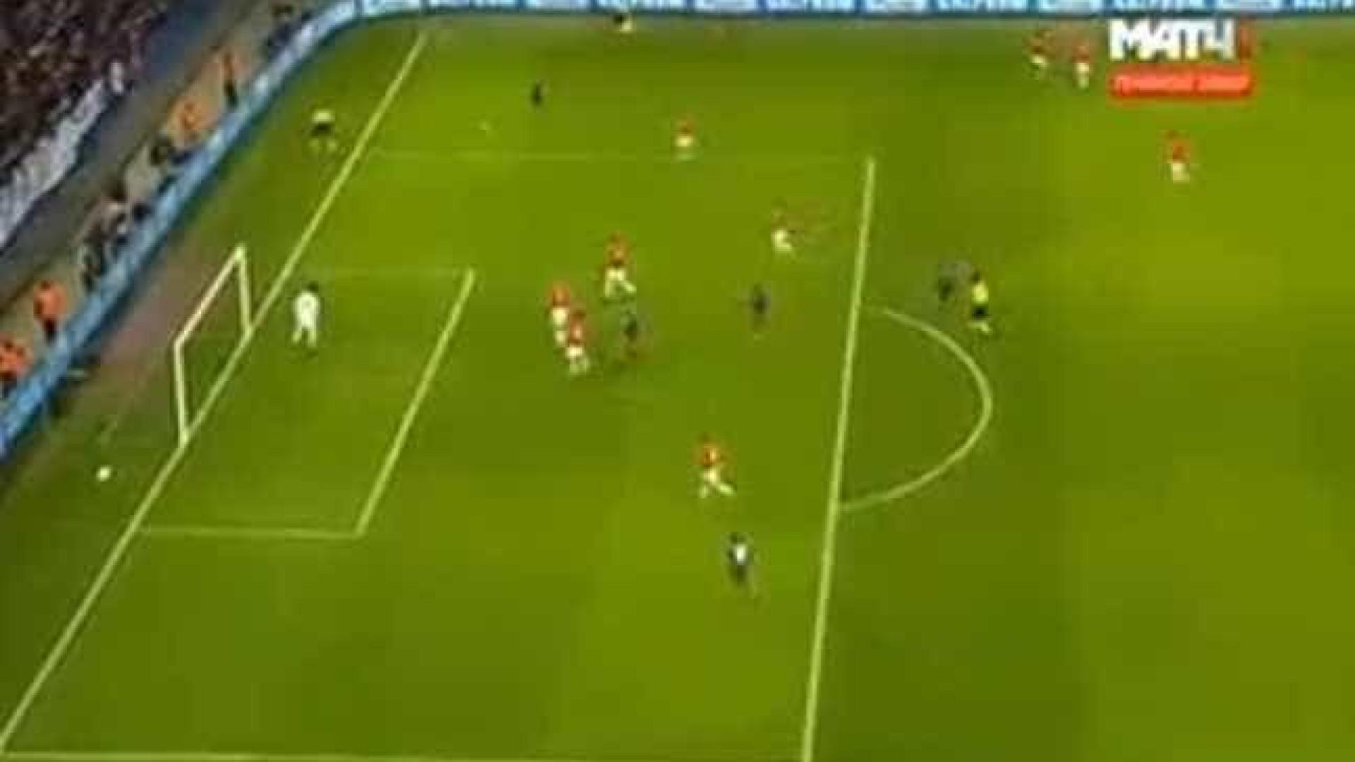 Schennikov inaugura o marcador na Rússia e deixa Benfica em maus lençóis