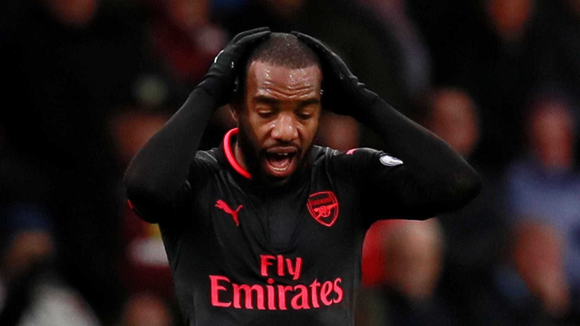 Arsenal sem Lacazette durante mais de um mês