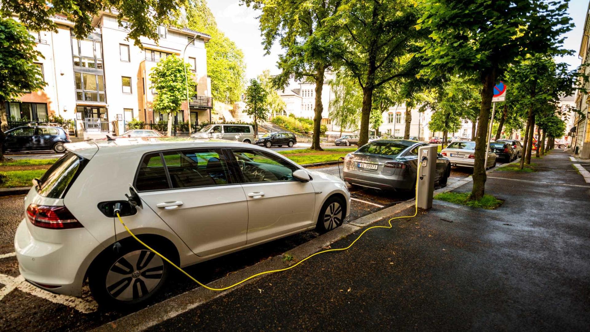 Autonomia dos carros elétricos é inferior em 31% à que é publicitada