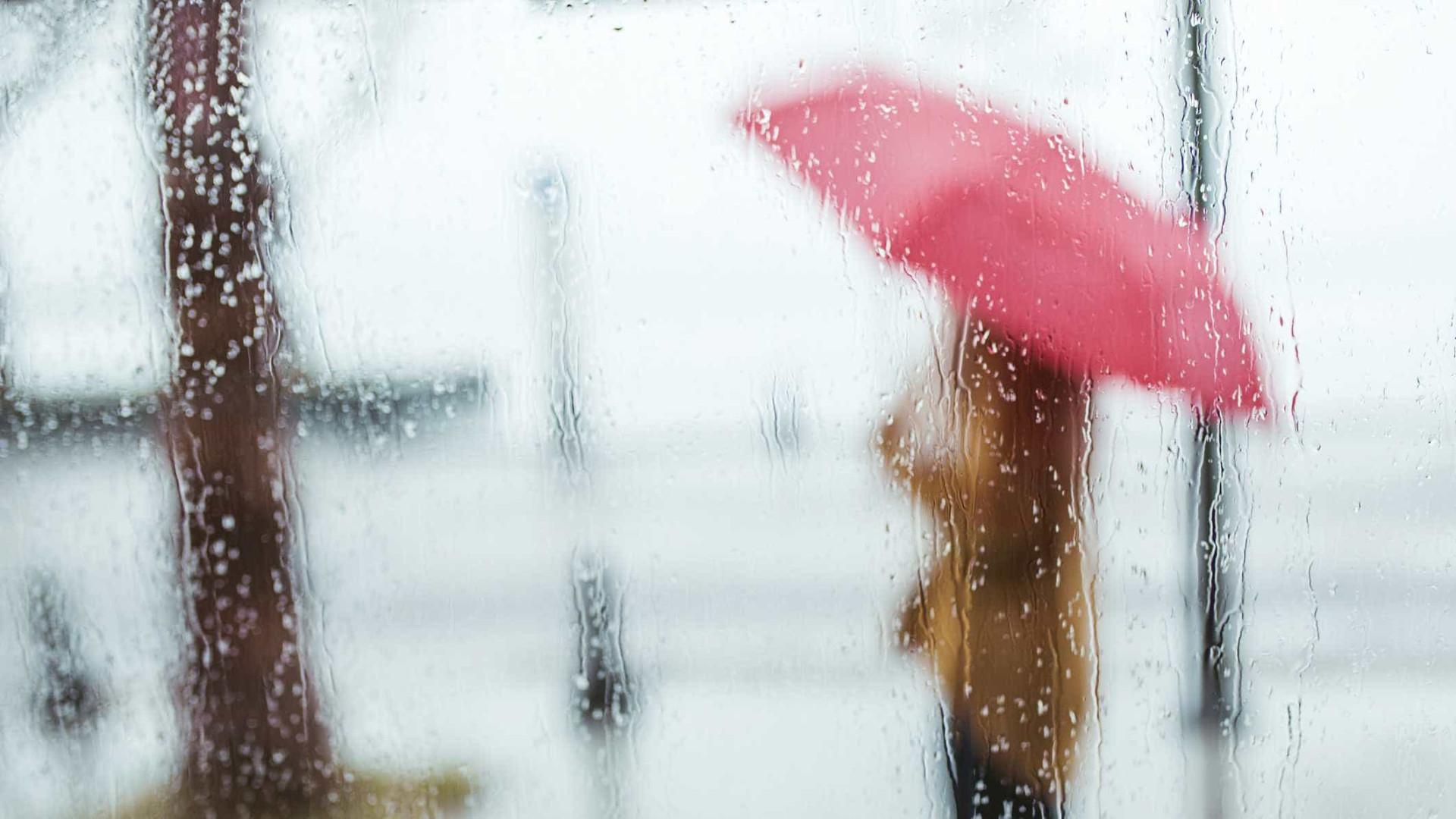 Depois do frio de bater o dente, eis que chega a chuva (e até a neve)