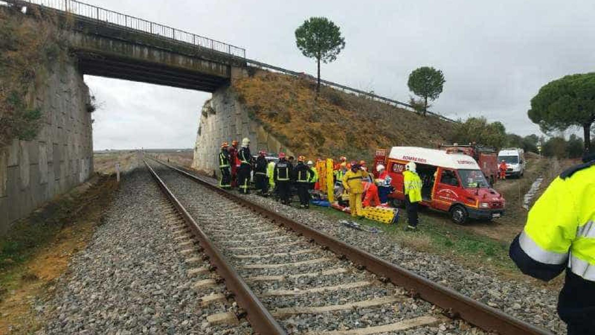 Comboio descarrila em Sevilha e faz mais de duas dezenas de feridos