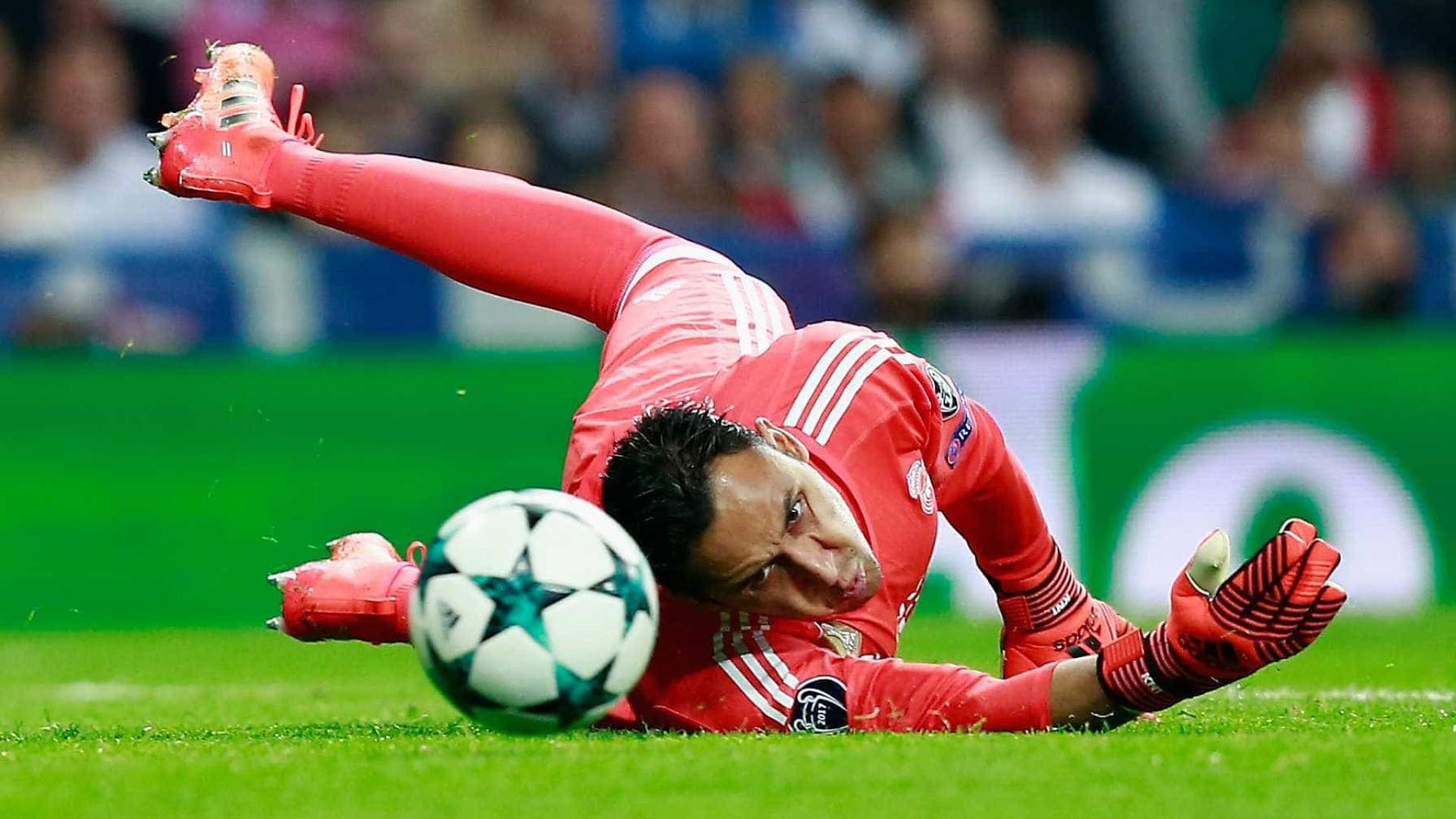Real Madrid volta a tropeçar e não aproveita deslize do Barcelona