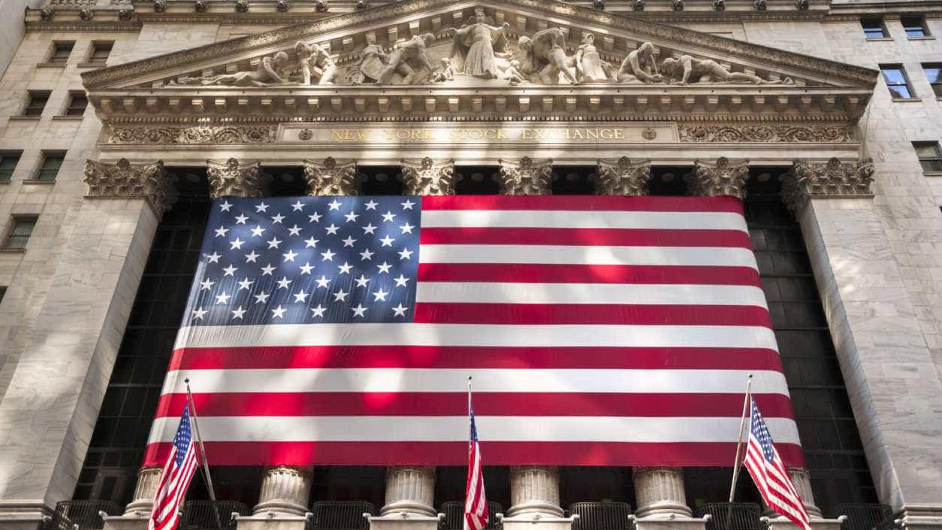 Bolsa de Wall Street segue em baixa ao início da sessão