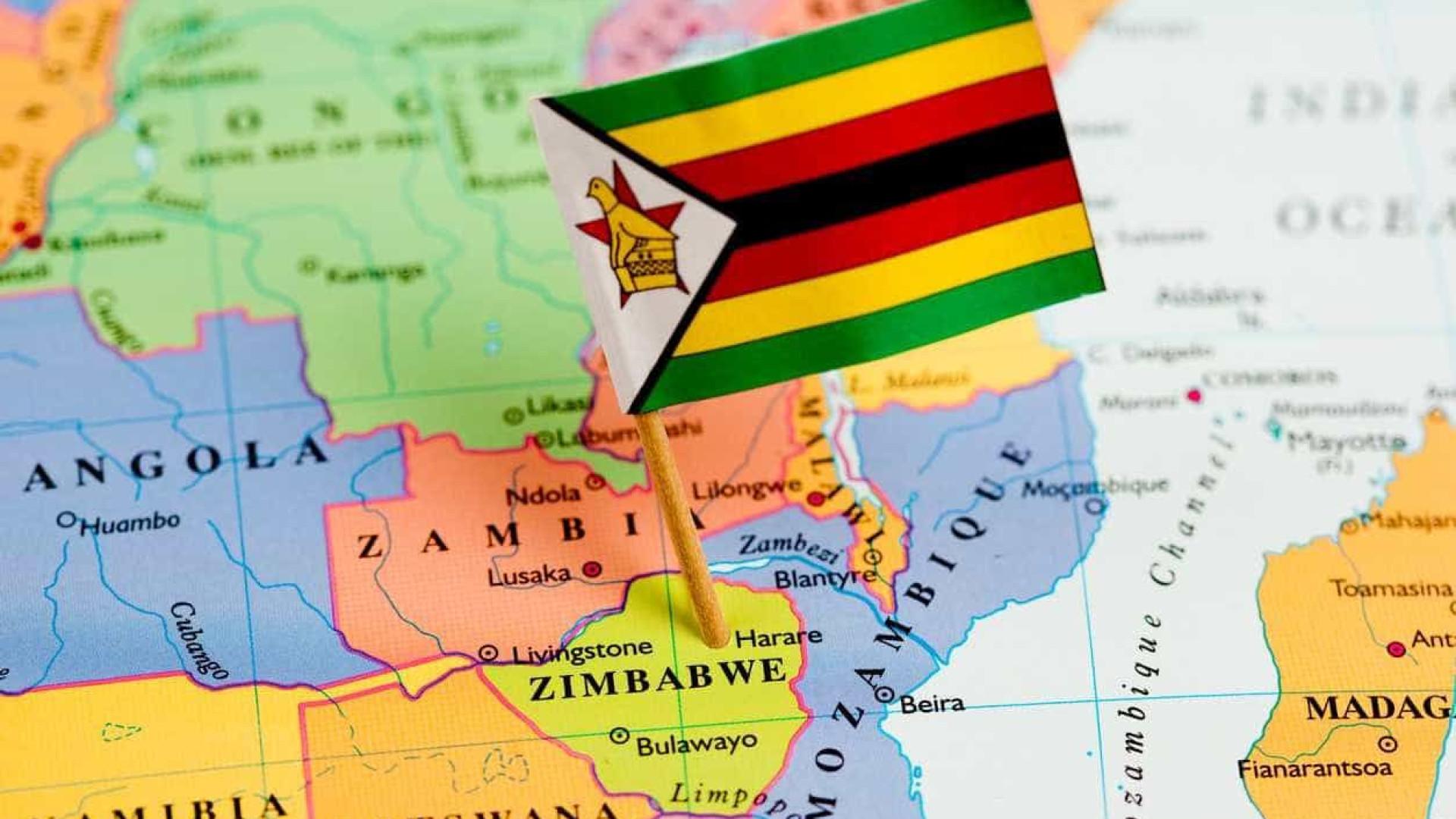 Polícia prende líderes sindicais e proíbe manifestação no Zimbabué