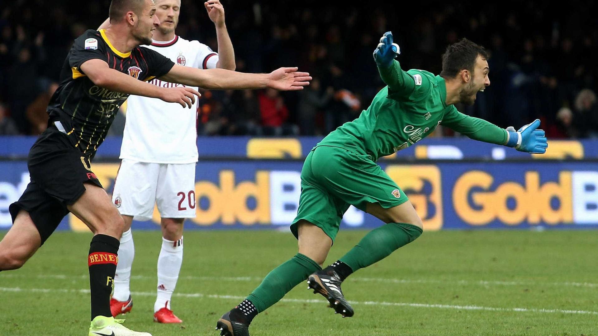 Guarda-redes do Benevento, autor de um golo, deixa 'recado' a Ronaldo