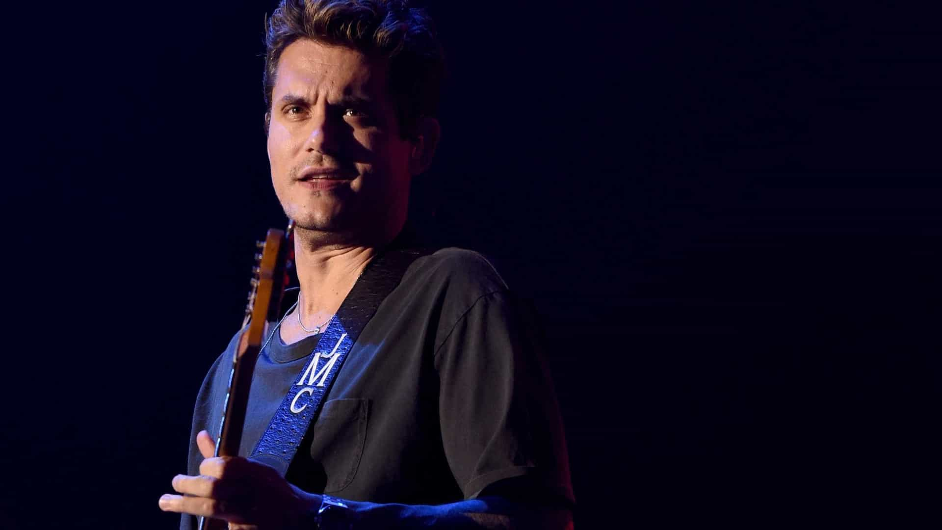 John Mayer é internado para fazer cirurgia de apendicite emergencial