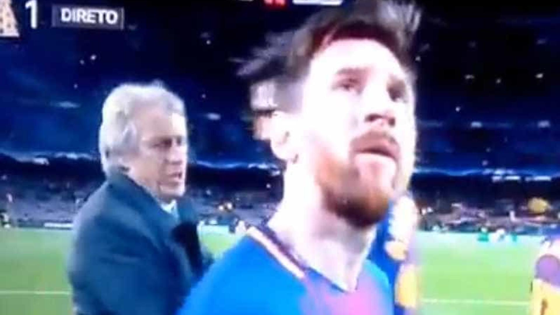 """Jorge Jesus chama por Messi: """"Oh baixinho, baixinho!"""""""