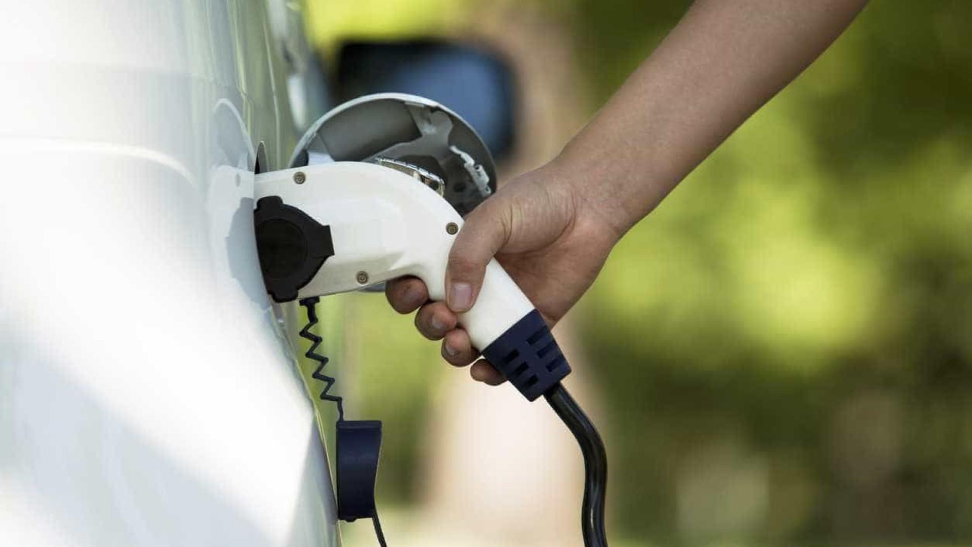 Pagamentos dos carregamentos de carros elétricos só irão avançar em 2018