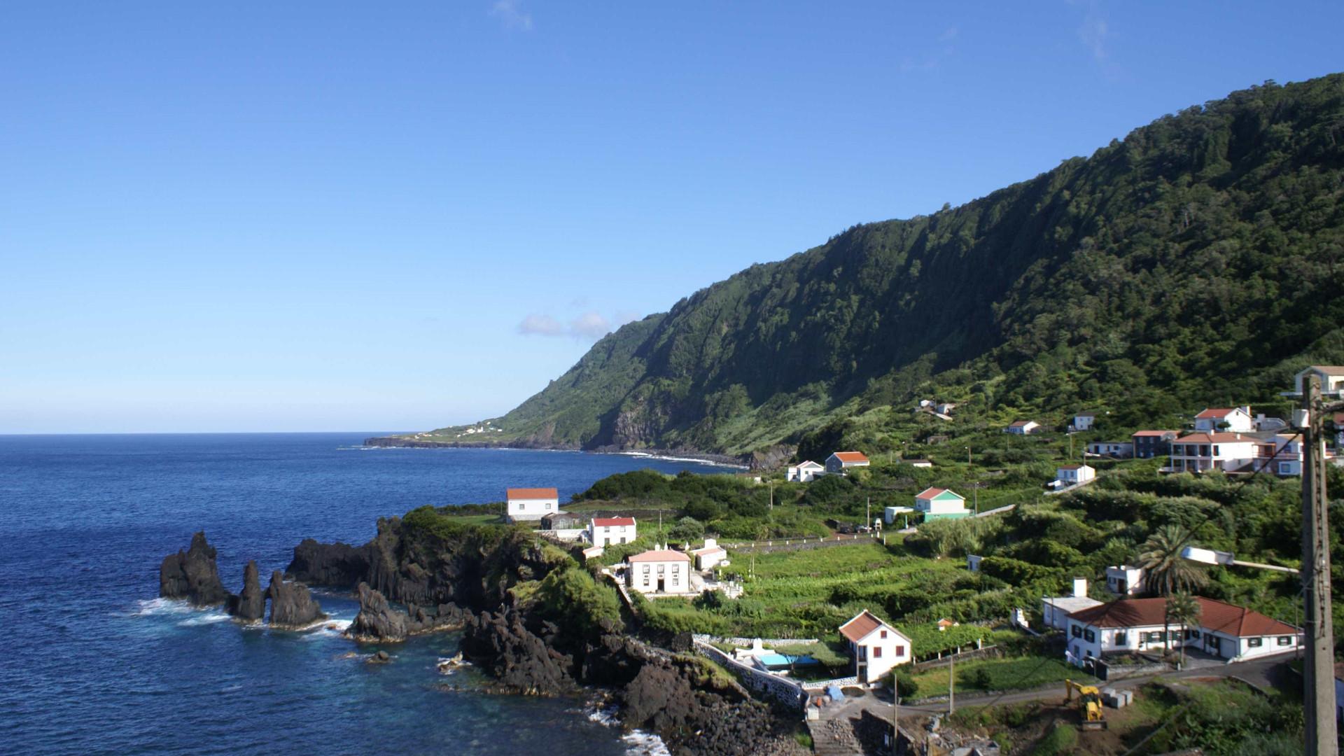 Força Aérea resgata idosa de fajã, em São Jorge, nos Açores