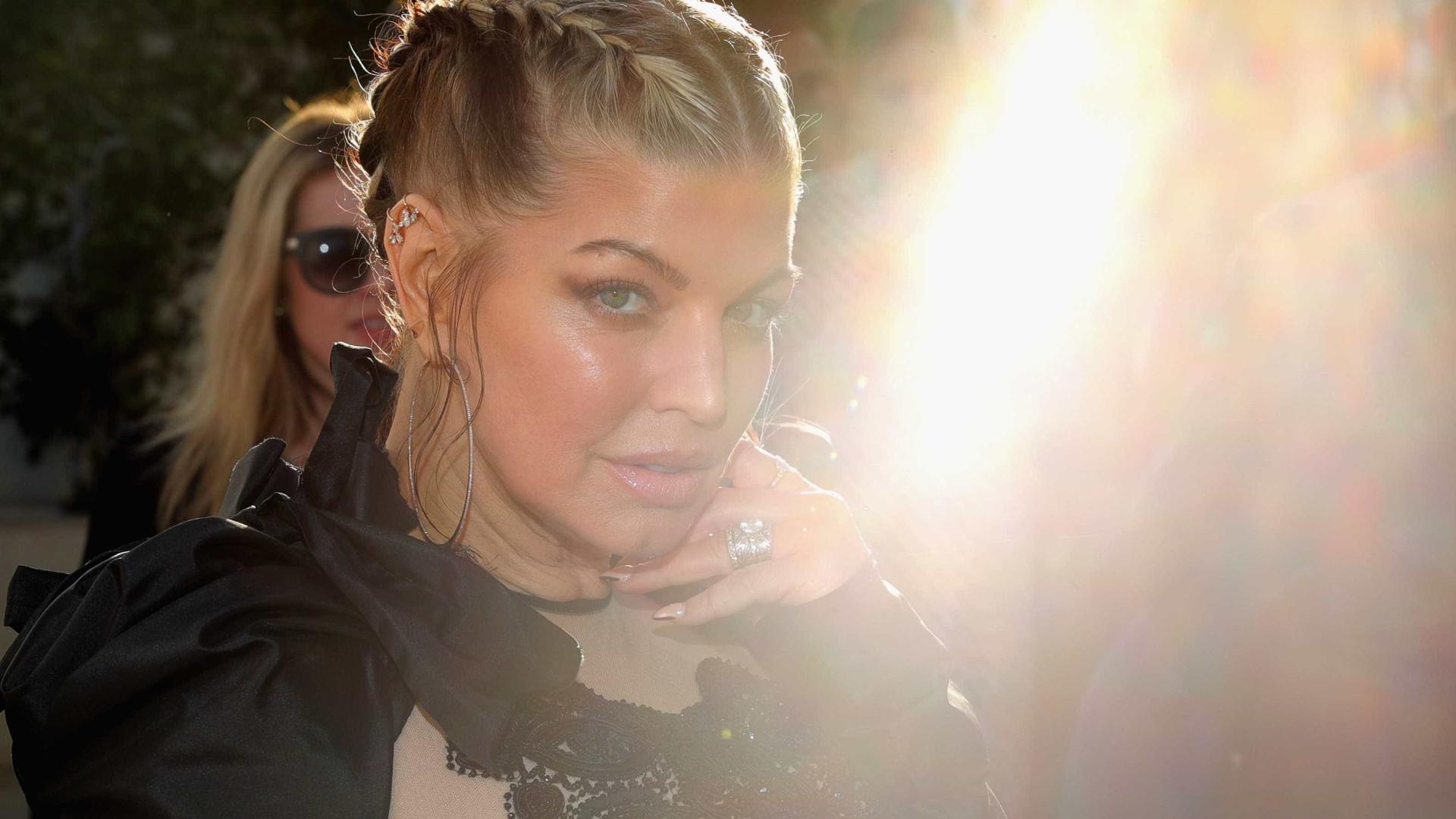 """Fergie fala sobre vício em drogas: """"Alucinava todos os dias"""""""
