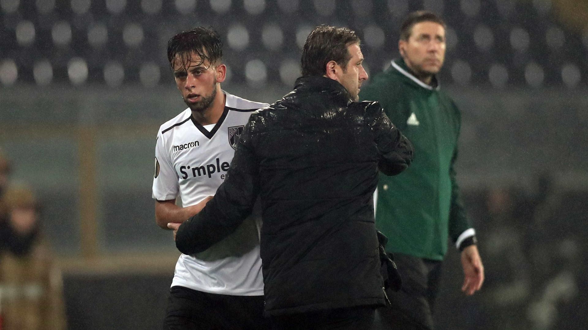 V. Guimarães despede-se com empate