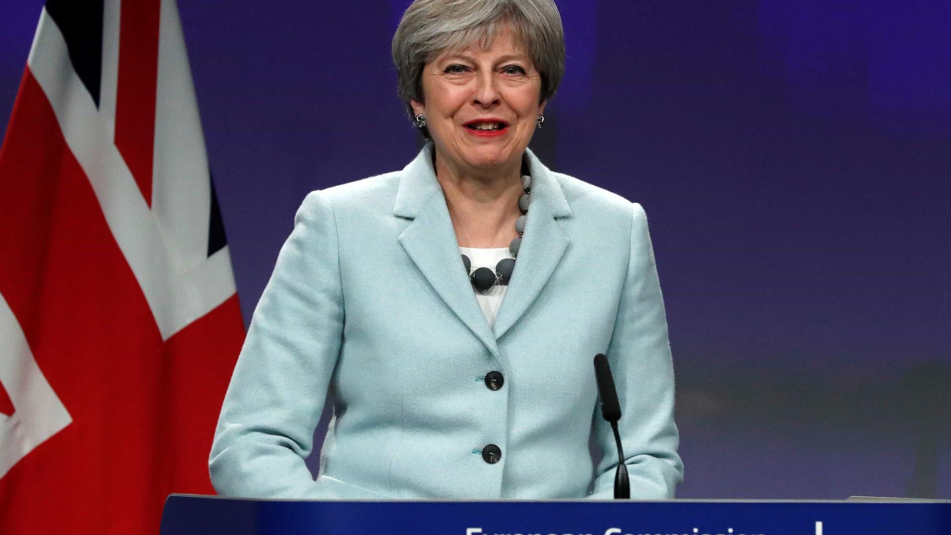 Brexit? May diz que alternativa ao seu plano é uma saída sem acordo