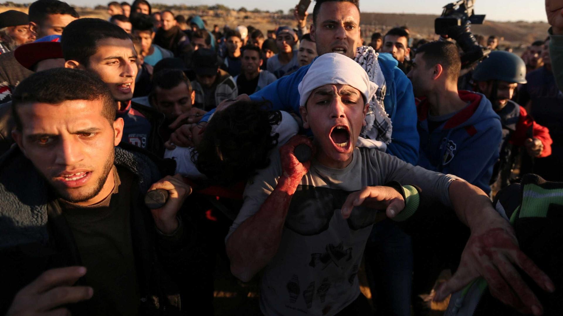 Dois palestinianos mortos e 83 feridos em protestos na faixa de Gaza