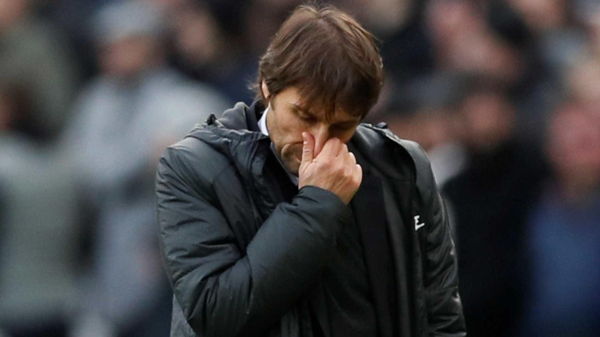 Antonio Conte já não é treinador do Chelsea