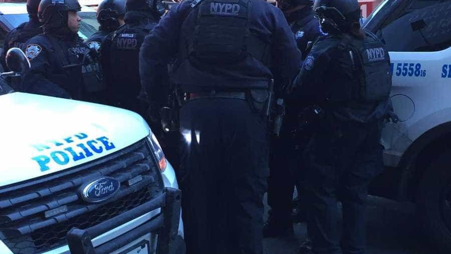 Explosão em terminal de autocarros em Manhattan. Uma pessoa detida