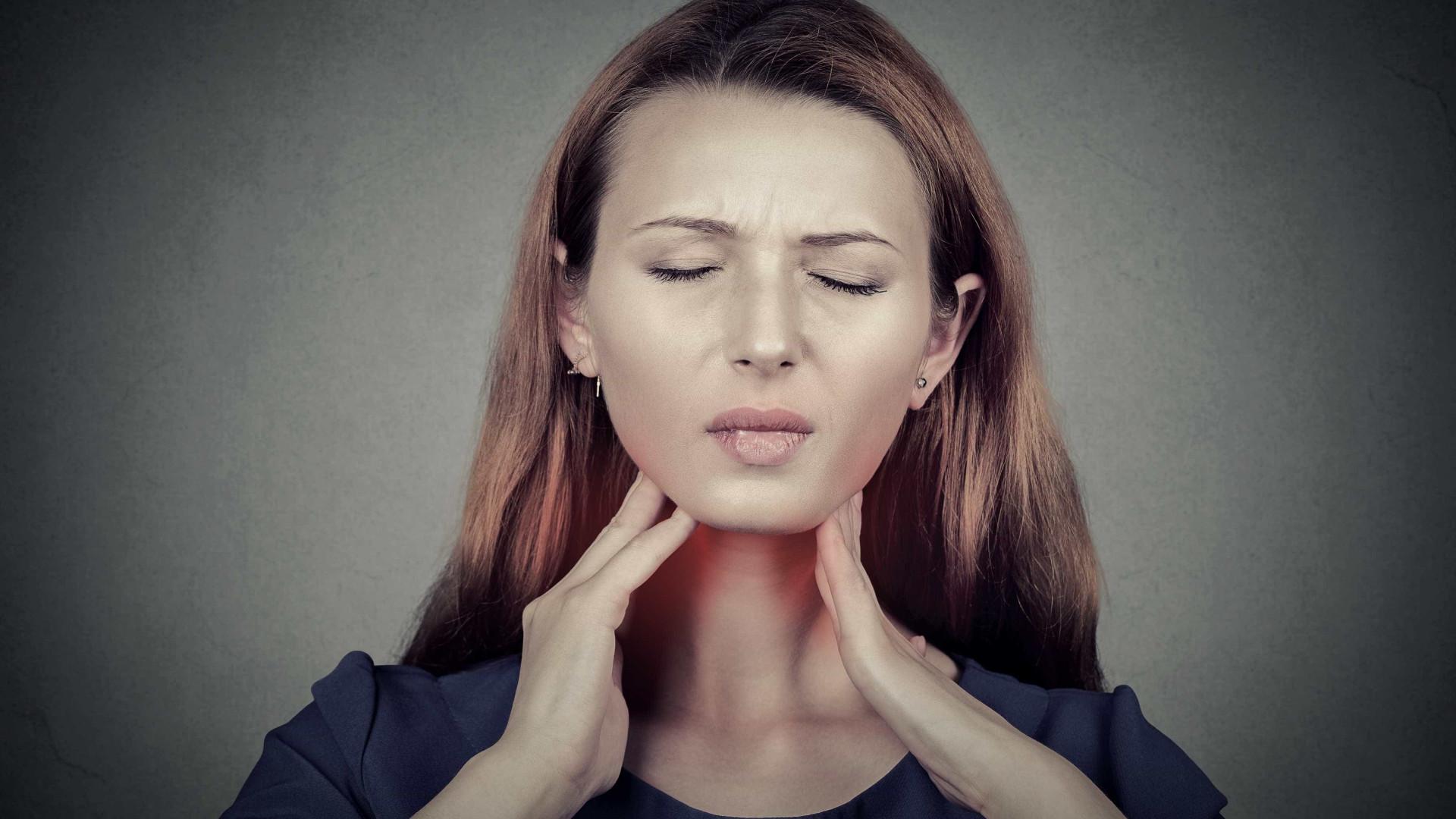 Quatro doenças que podem estar por trás da sua dor de garganta