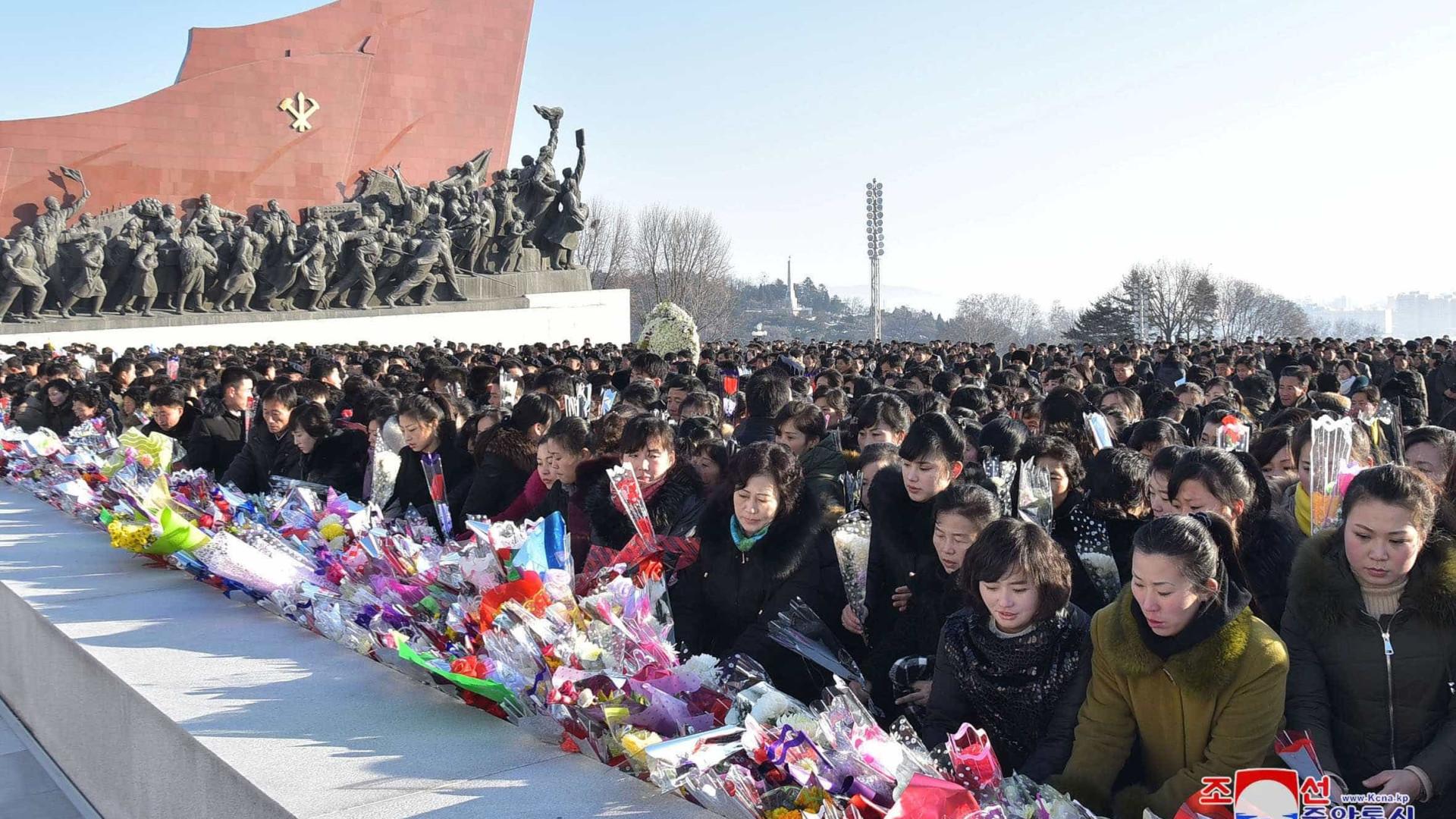Coreia do Norte assinala sexto aniversário da morte de Kim Jong Il