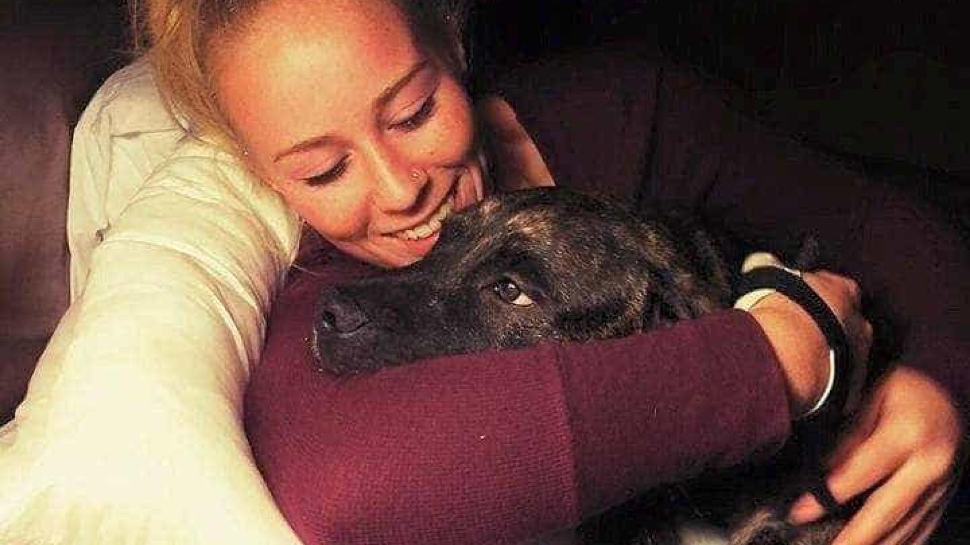 Mulher morre depois de ser atacada pelos próprios cães