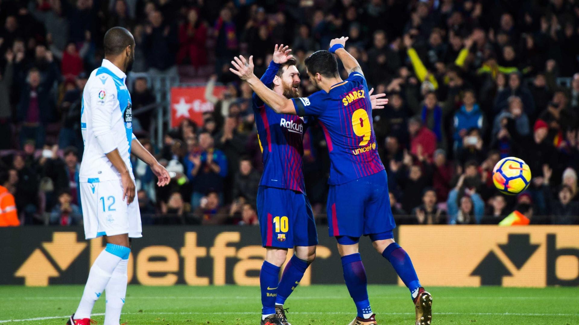 Técnico do Barcelona elogia Paulinho após goleada sobre Deportivo