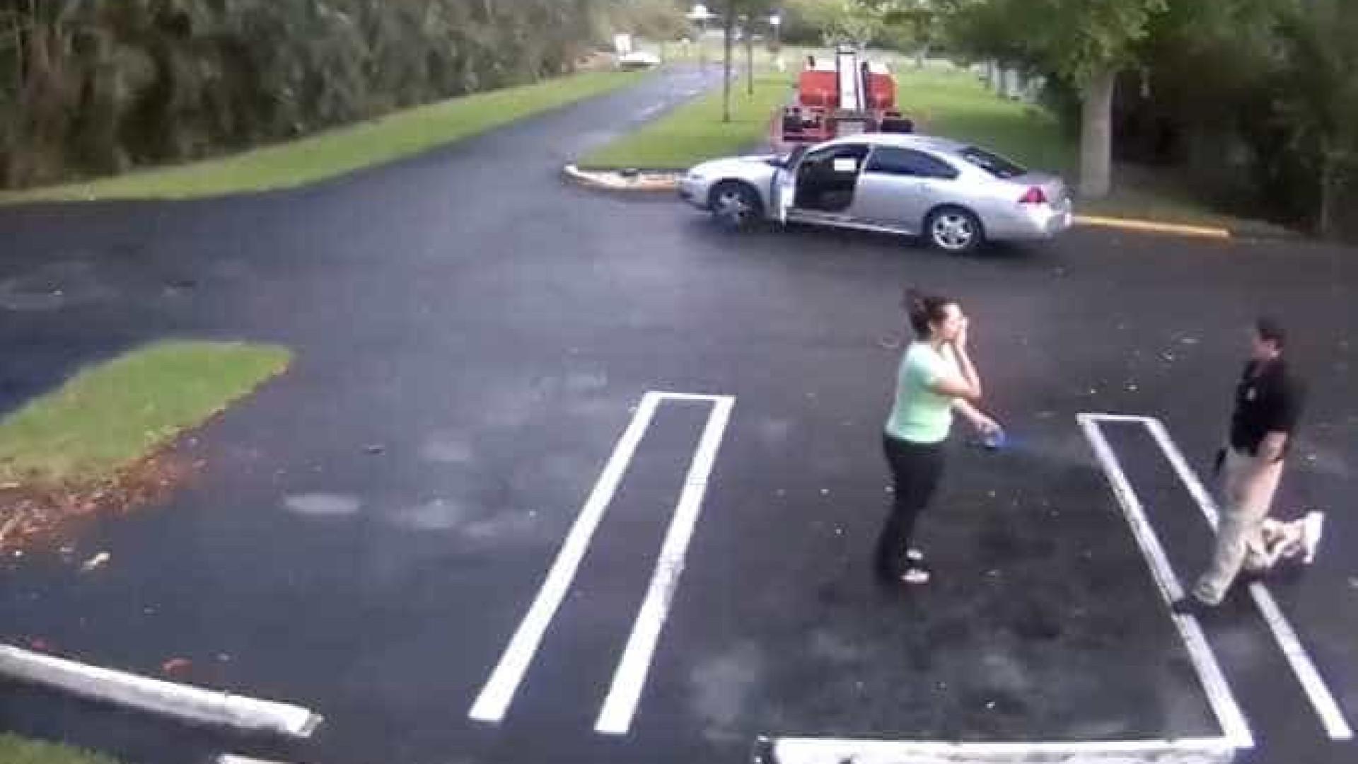 Polícia usa arma de serviço para disparar contra ex-namorada