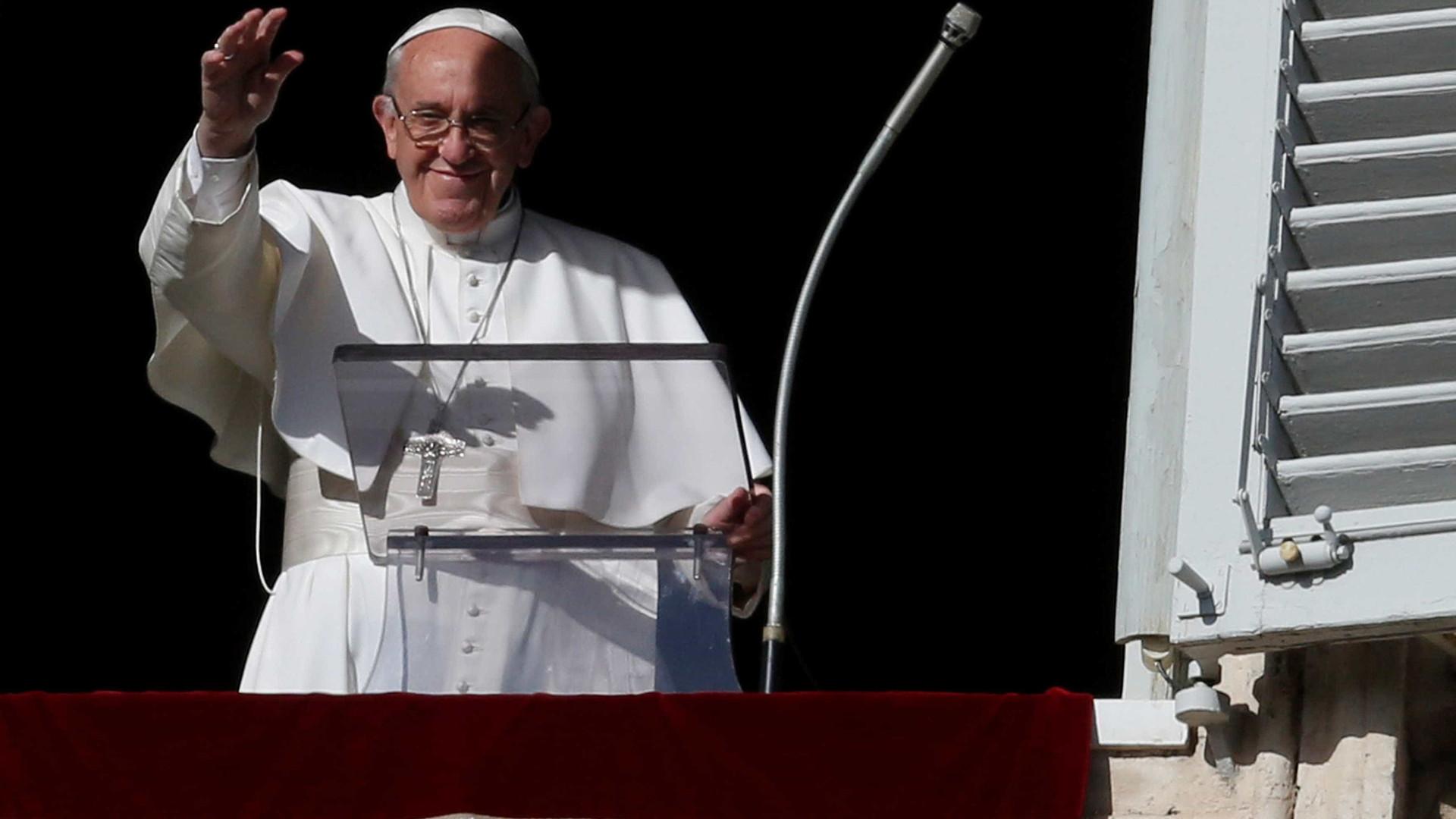Papa vai à América Latina com indígenas e ambiente na agenda