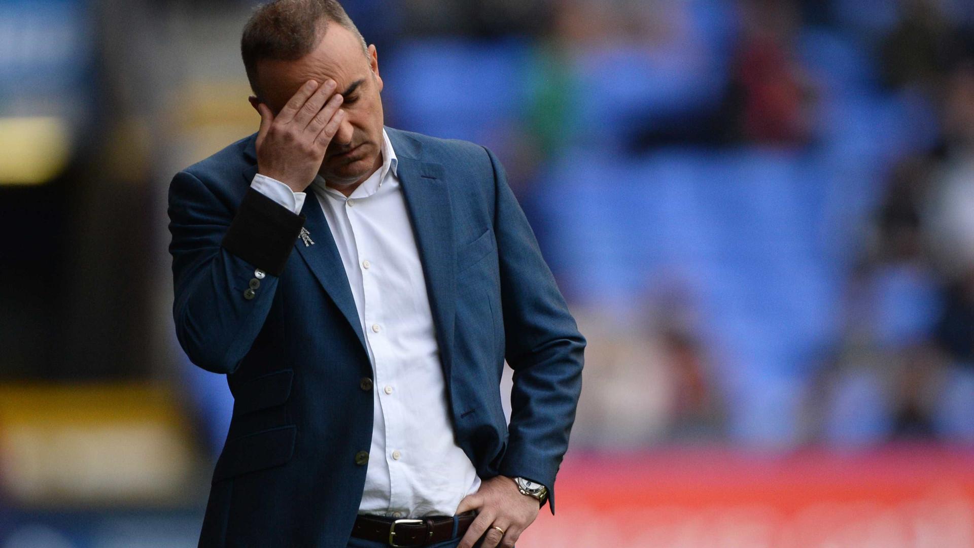 Carlos Carvalhal deixa comando do Sheffield Wednesday por