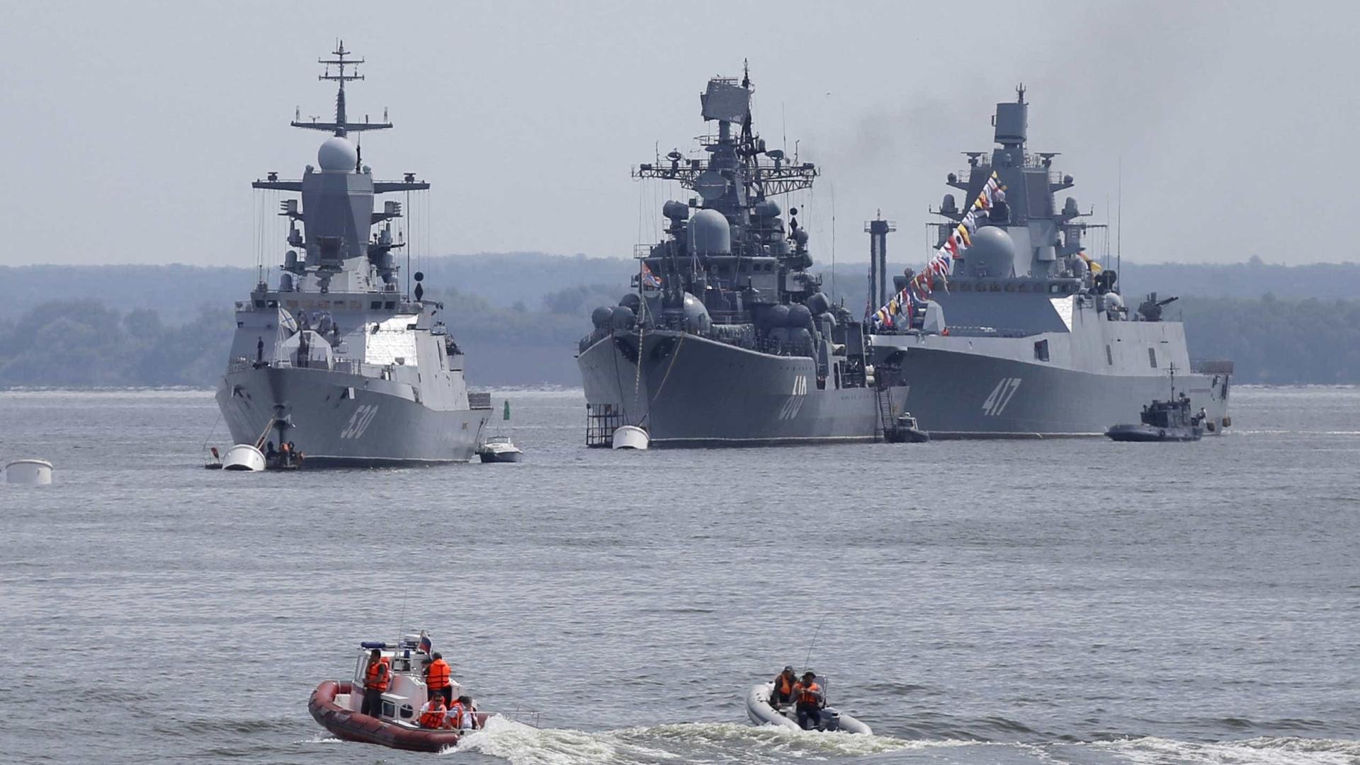 Marinha britânica escoltou barco de guerra russo em dia de Natal