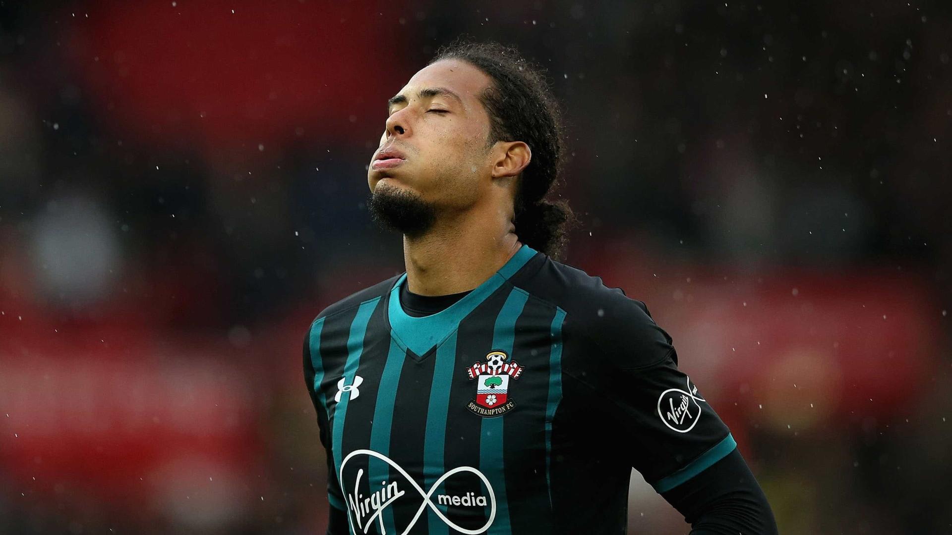 Manchester City deve acertar a contratação de Van Dijk em janeiro