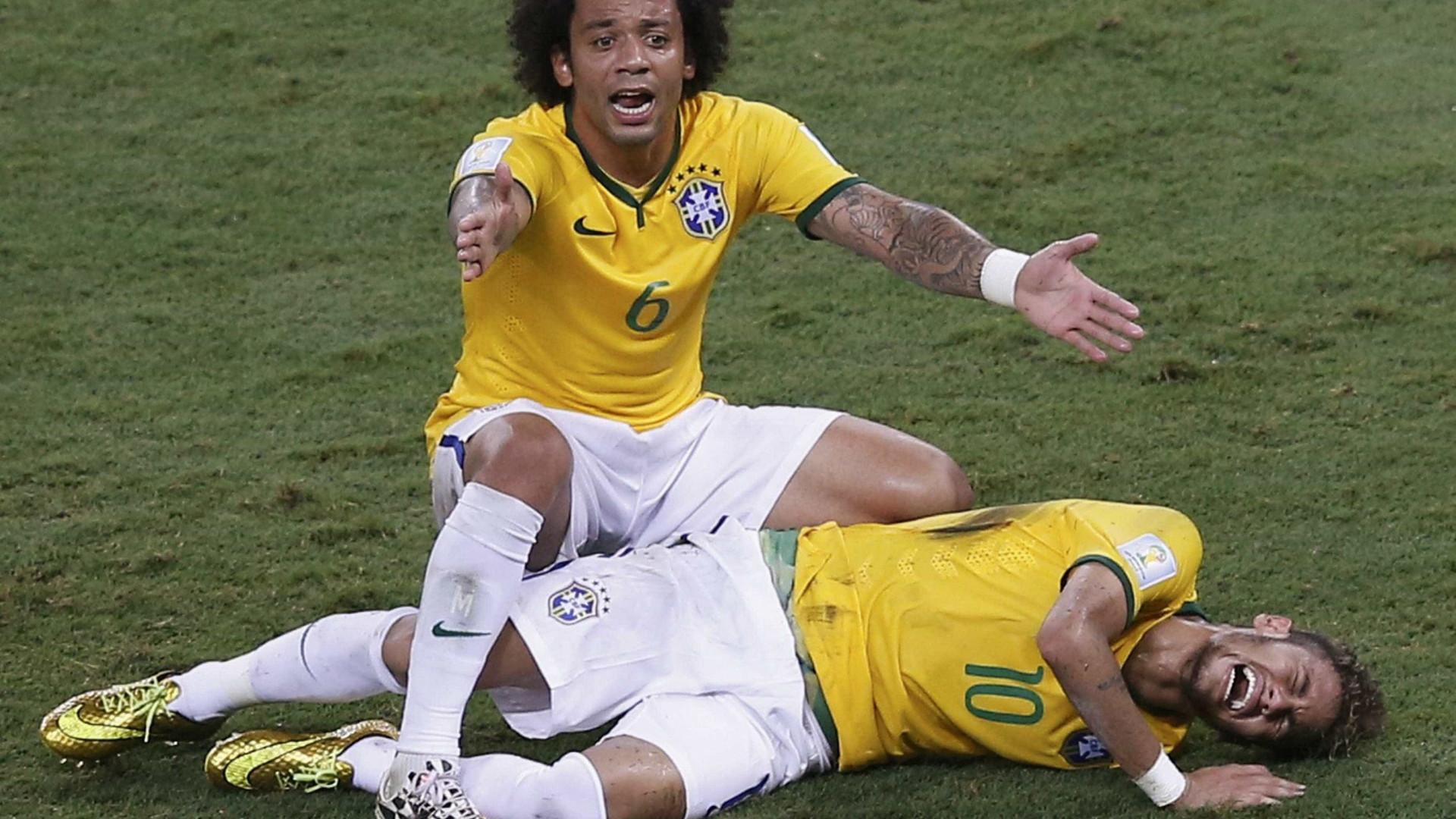 Neymar lembra lesão e define Copa de 2014: 'Uma porcaria'