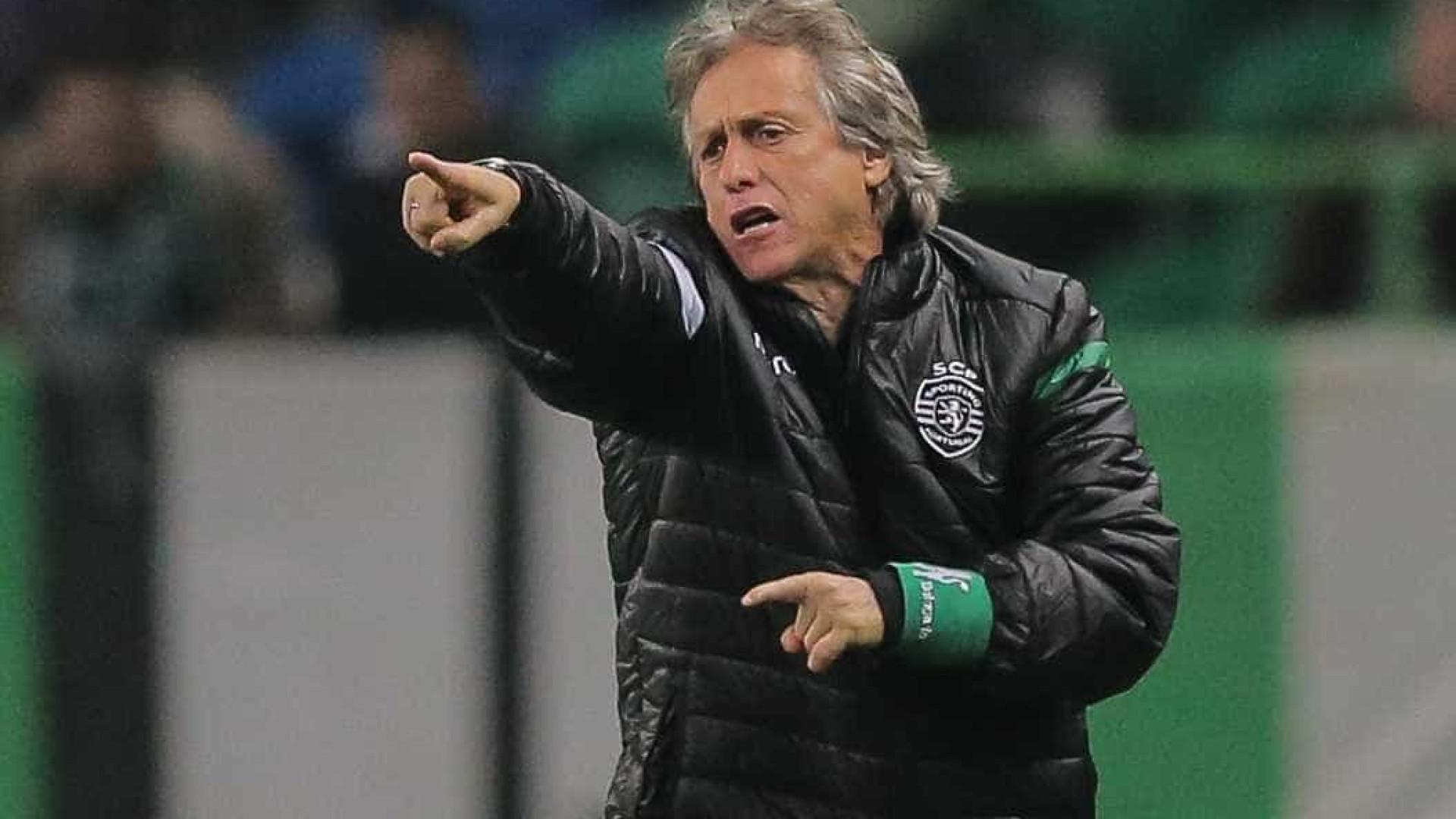 """Jorge Jesus: """"O árbitro disse a todos que ia dar mais três minutos"""""""