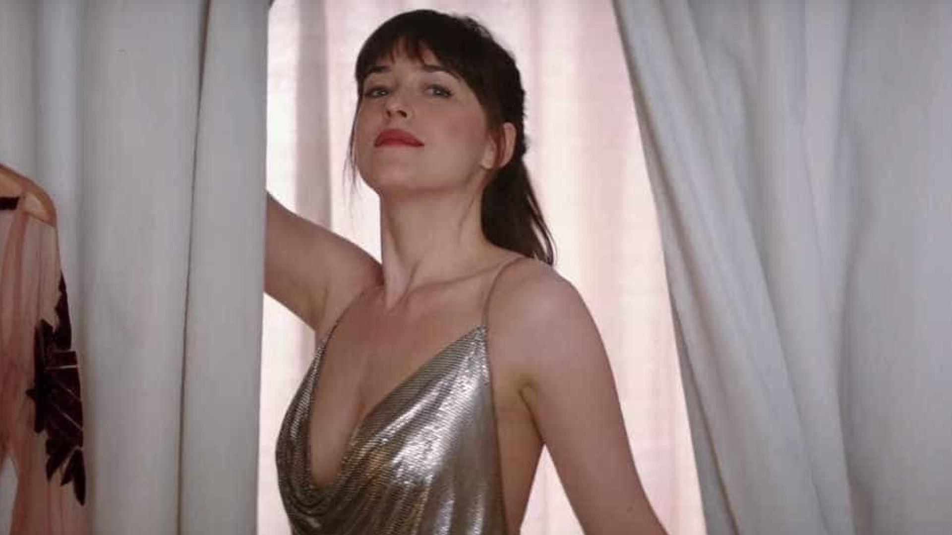Tons de Liberdade - Anastasia descobre que está grávida