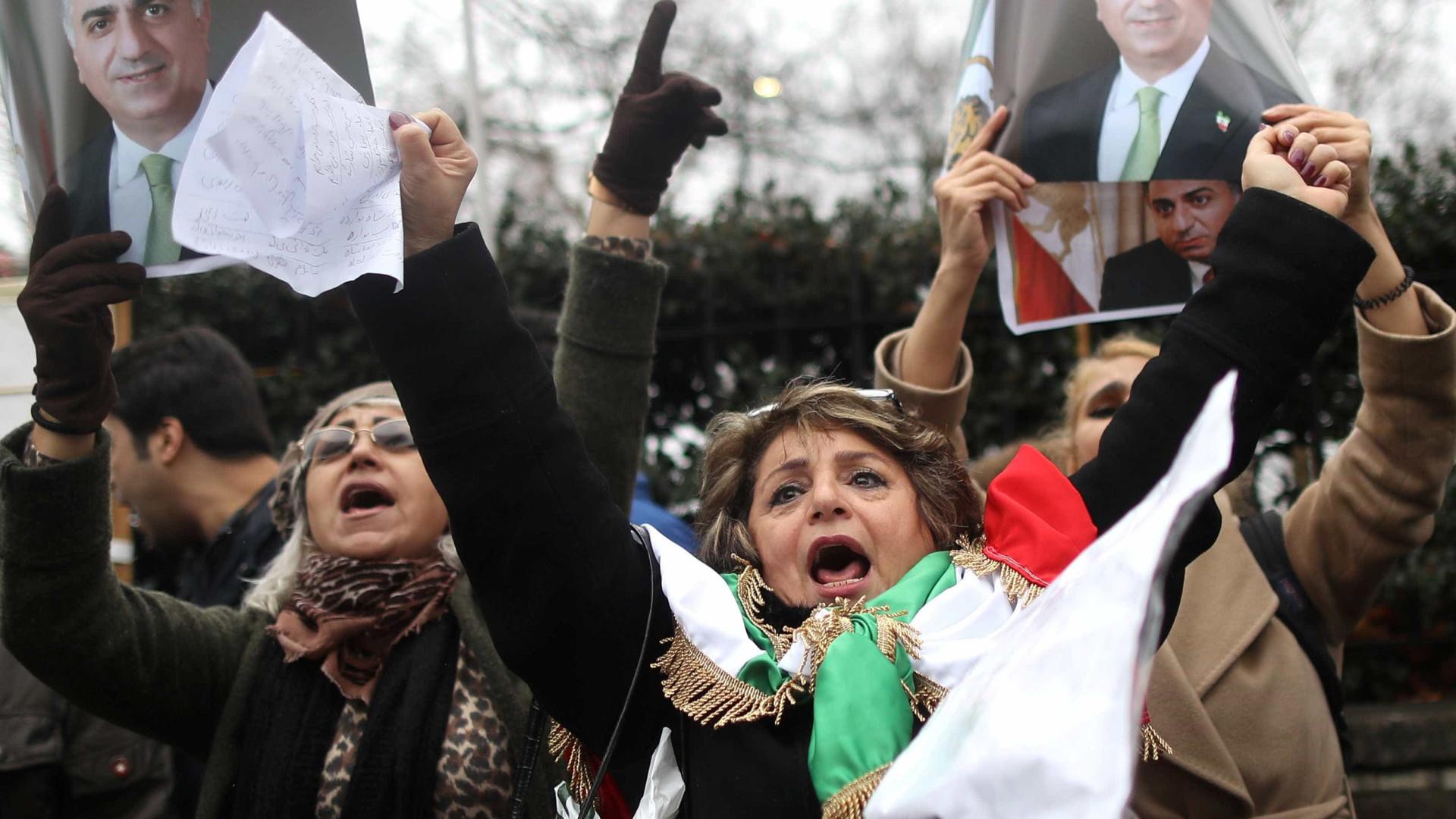 Protestos contra Governo no Irão causaram 25 mortes