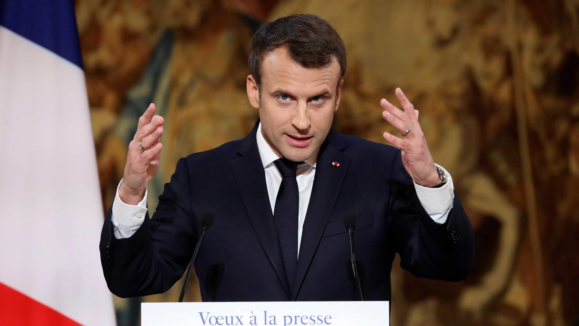 Macron anuncia lei contra dispersão de