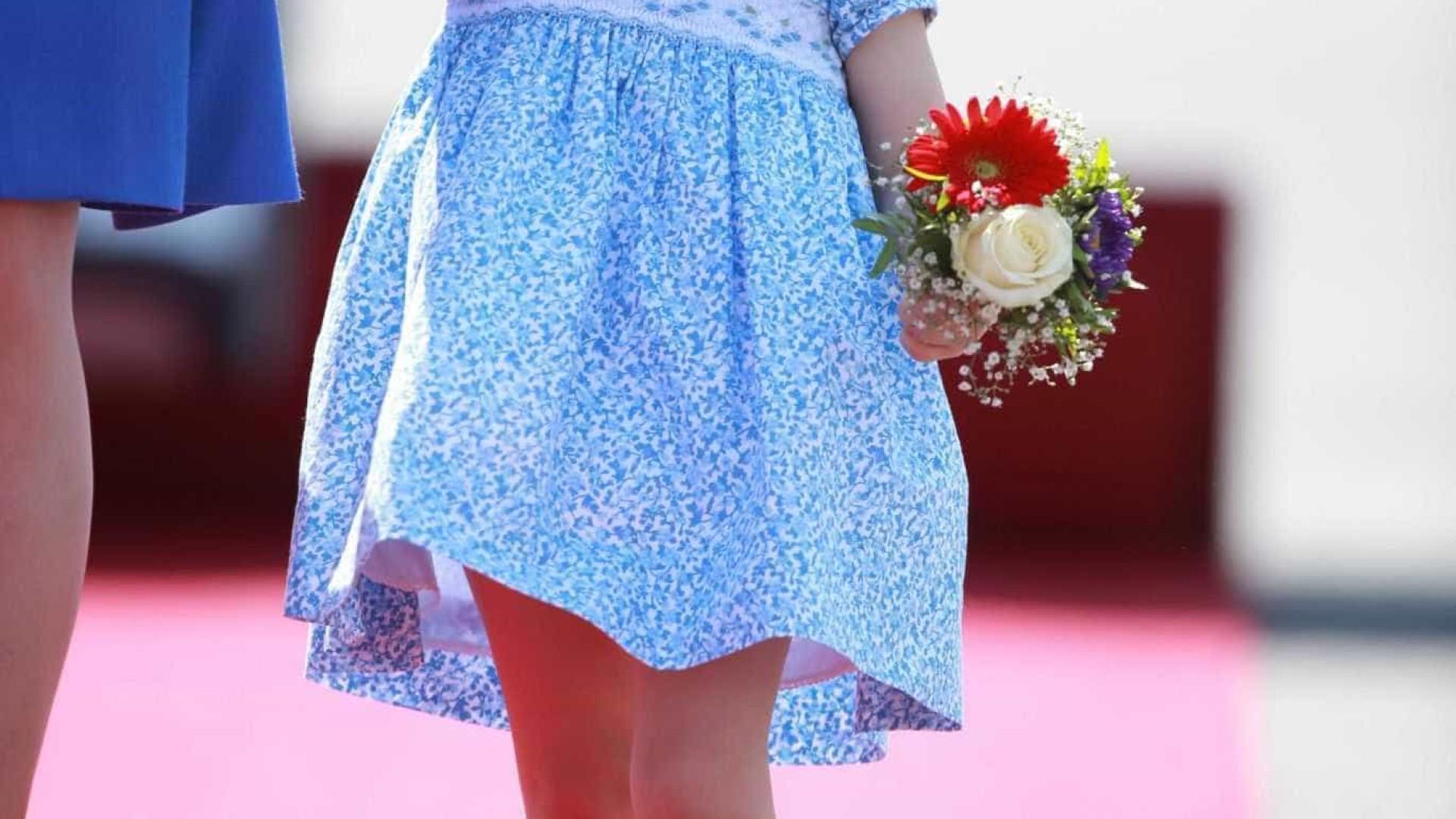 Princesa Charlotte tem primeiro dia na escola