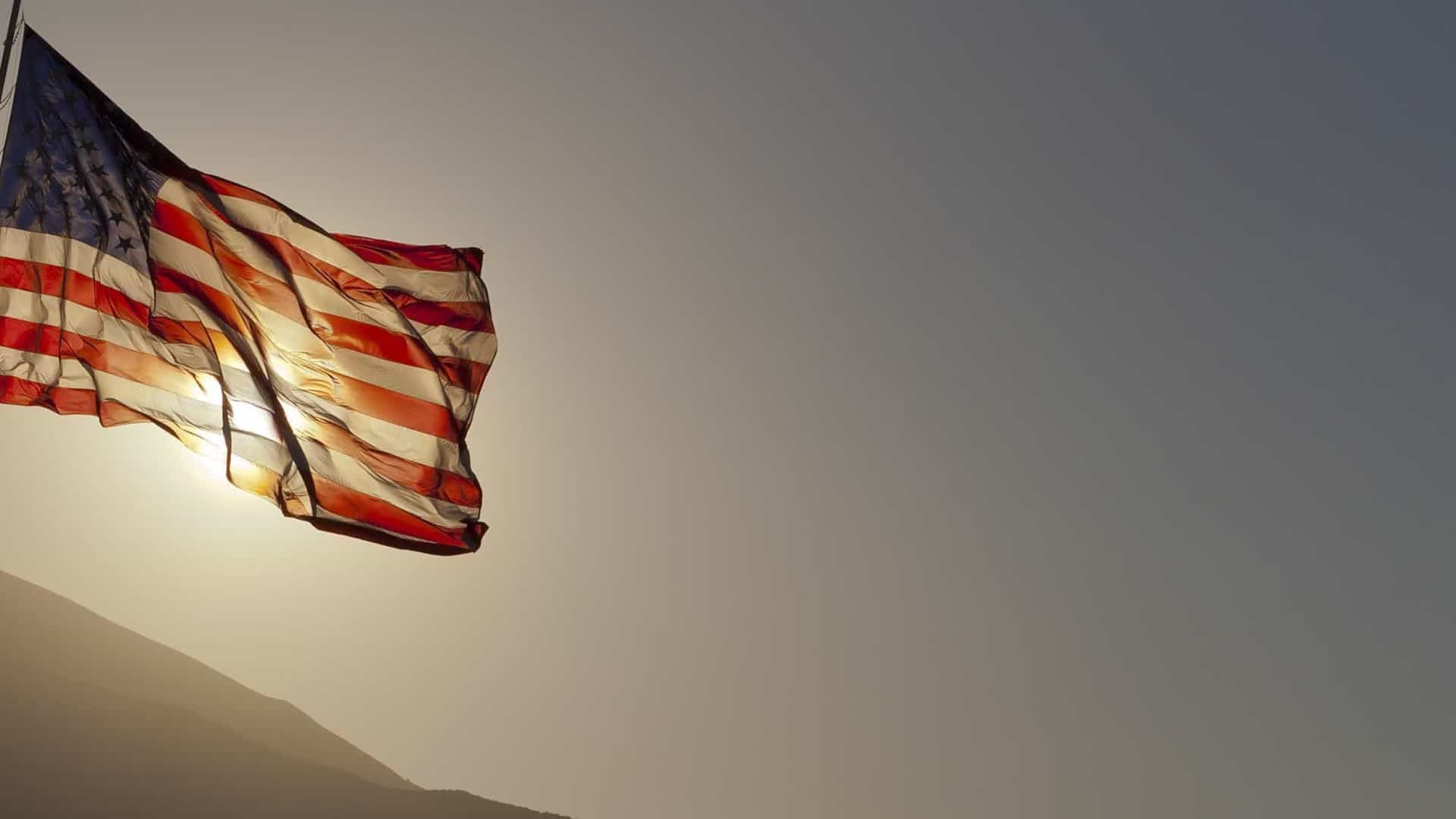 Nível de pobreza nos EUA cai pelo terceiro ano consecutivo para 12,3%