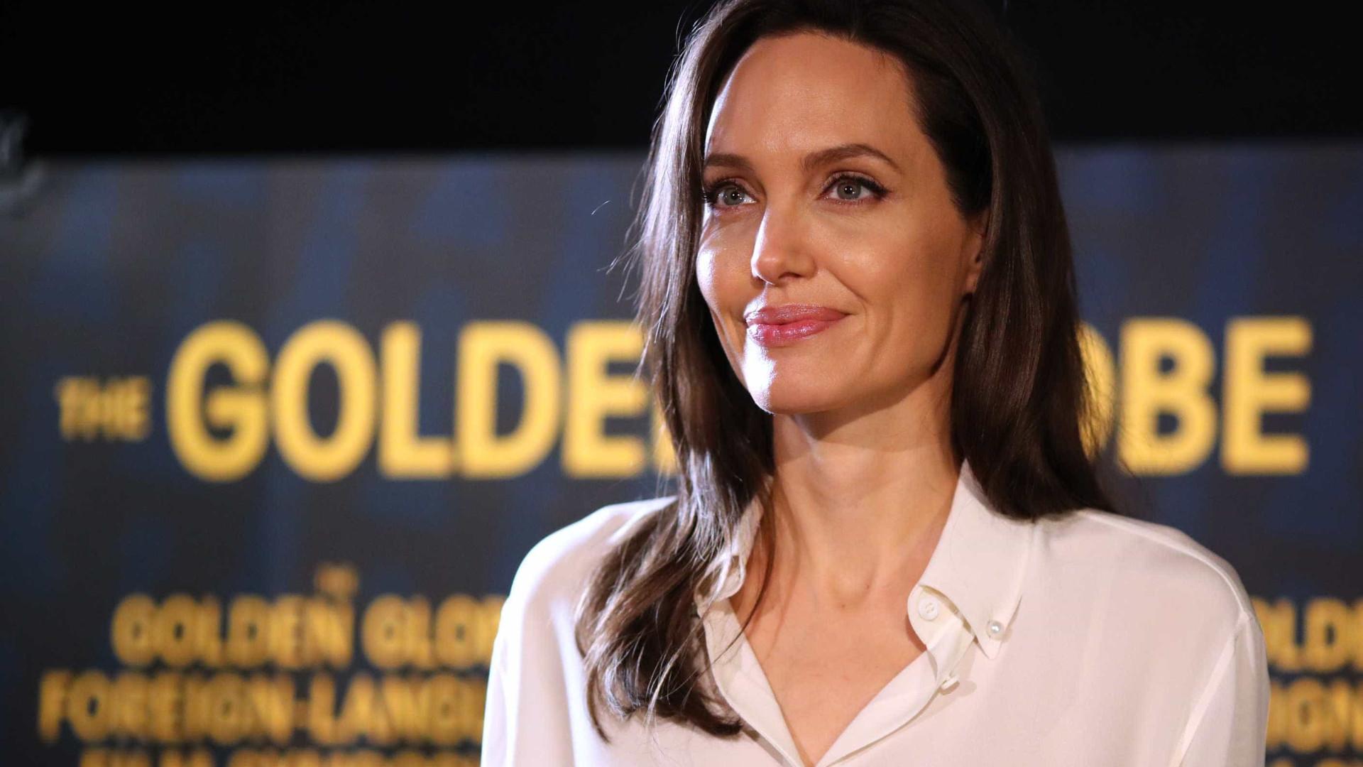 Jolie provoca ira de Pitt por levar filho ao Globo de Ouro
