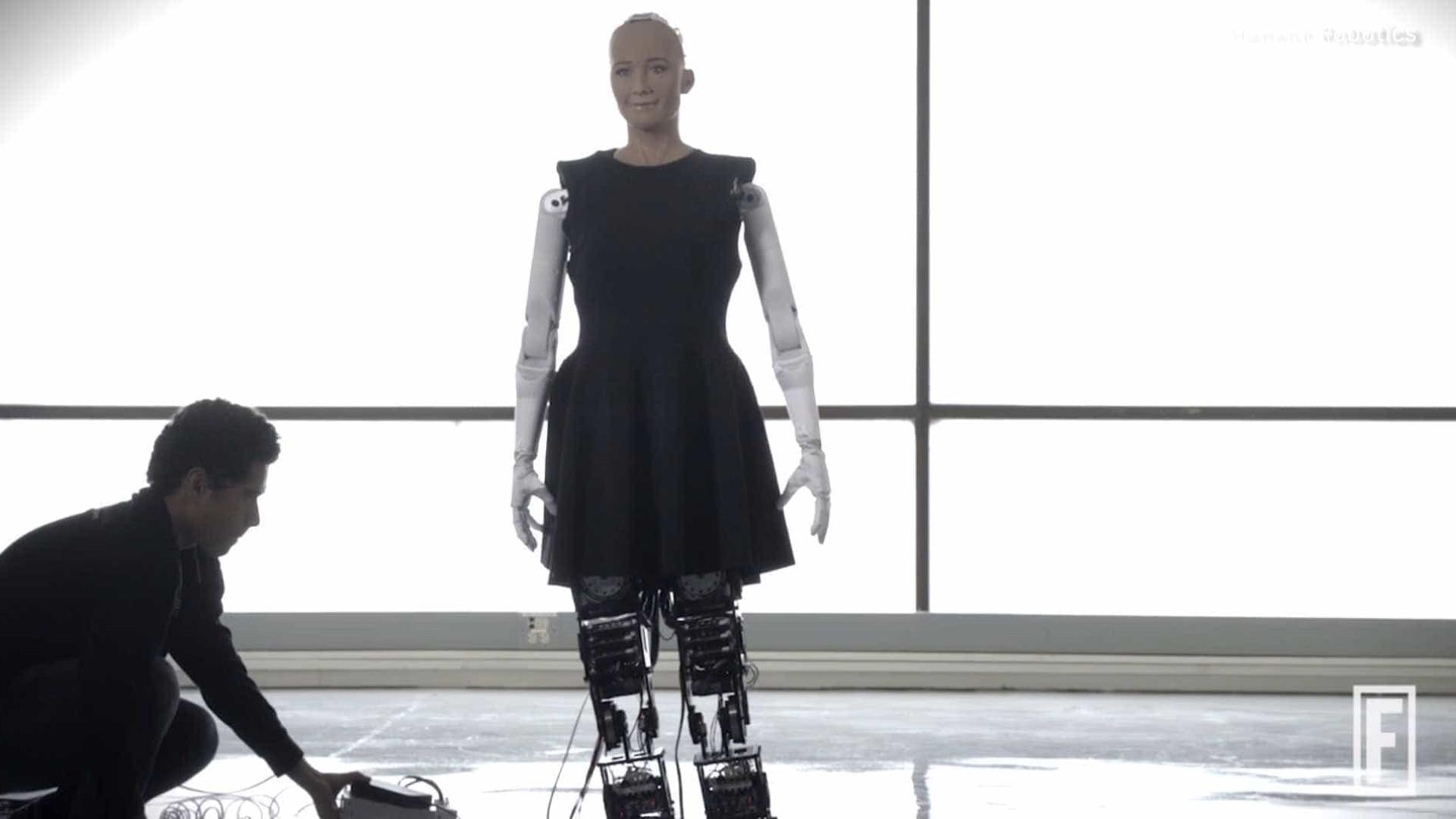 Sophia, a robot mais conhecida do mundo, vai aprender a andar
