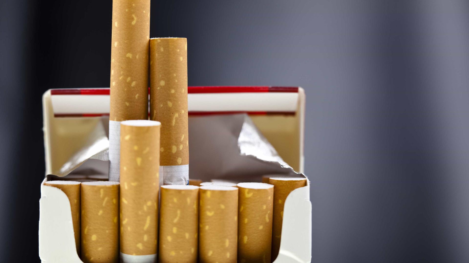 Render-se ao primeiro cigarro é meio caminho andado para ser fumador