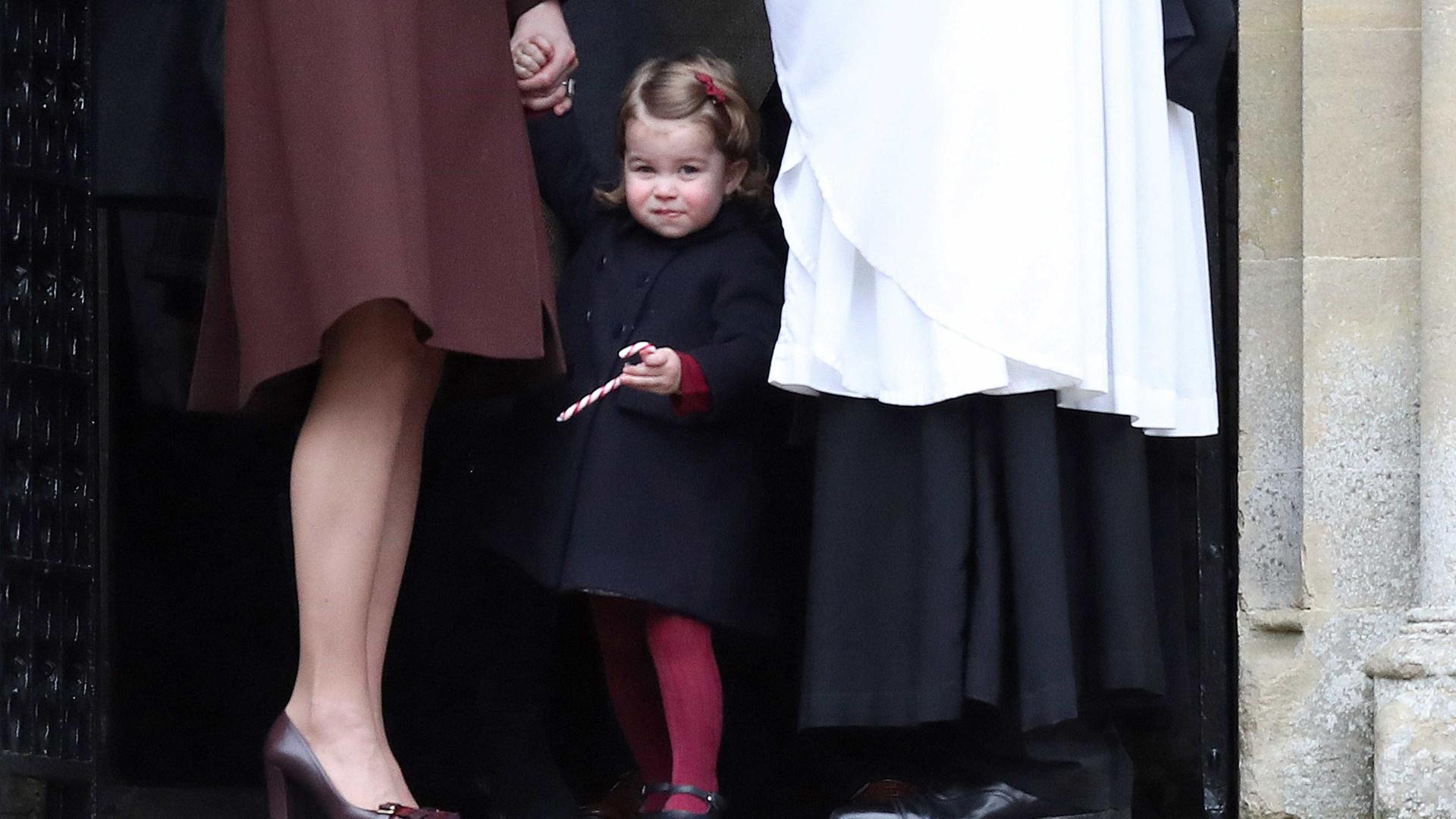 Aos dois anos, princesa Charlotte já sabe falar espanhol