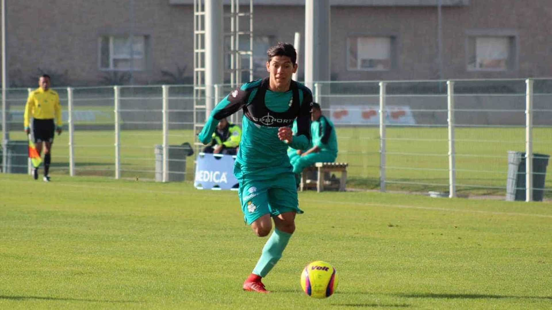 Benfica corre atrás do tempo por Gerardo Arteaga