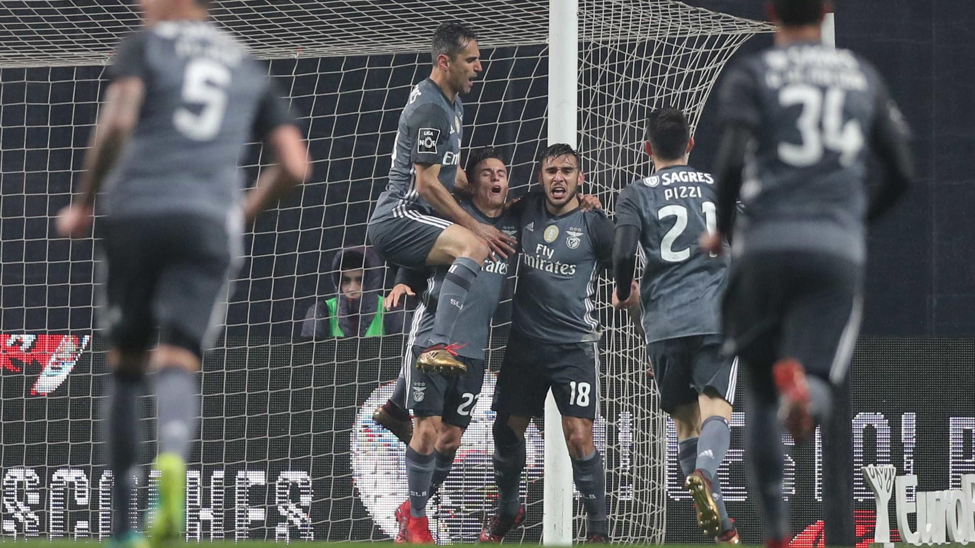 Benfica dançou o tango, mas ao cair do pano pairou a incerteza