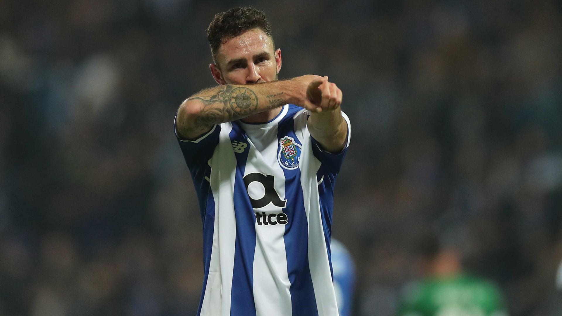 Apesar dos vários interessados, FC Porto segura Layún
