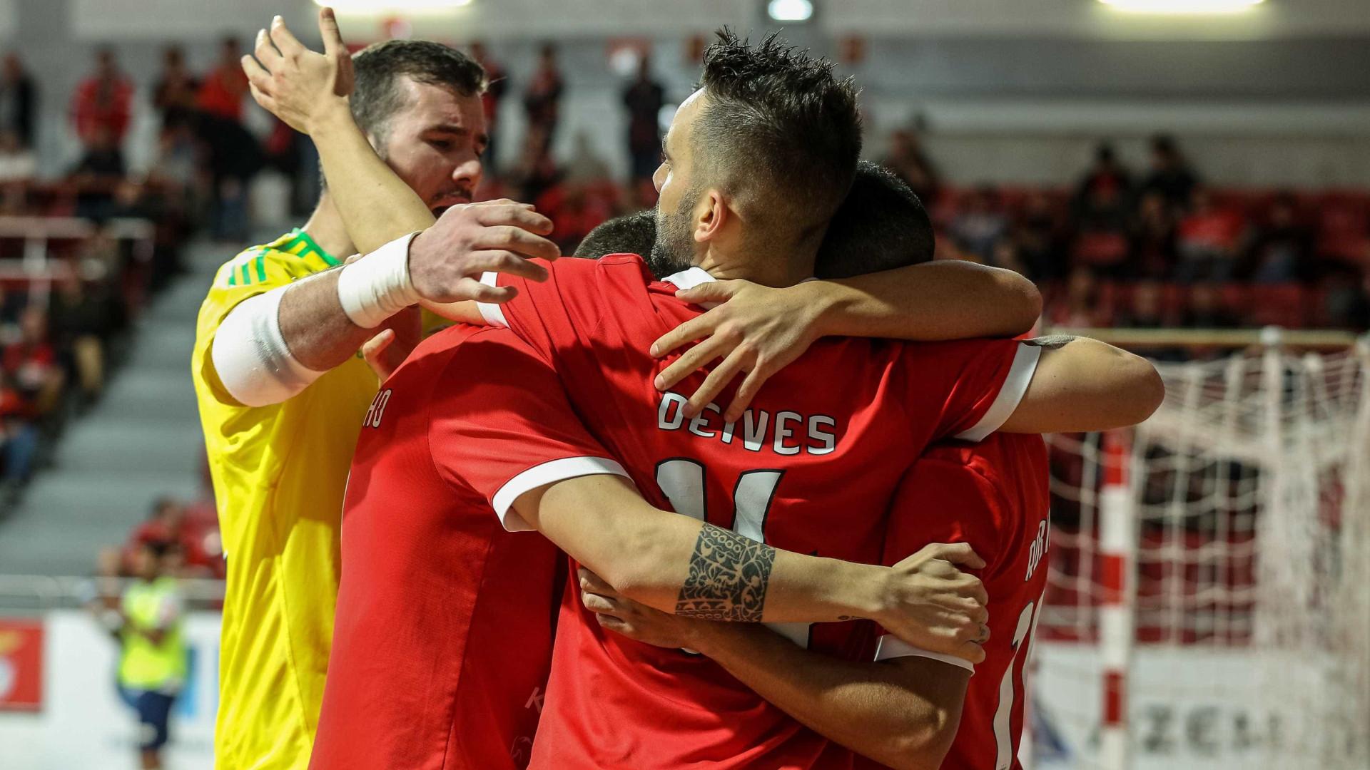 Benfica de mão cheia vence Sporting e conquista Taça da Liga pela 1.ª vez